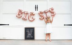Baby Number 2 Announcement, Second Pregnancy Announcements, Big Sister Announcement, Pregnancy Announcement Photos, Pregnancy Timeline, Pregnancy Humor, Courtney Love, Baby Outfits, Trendy Baby