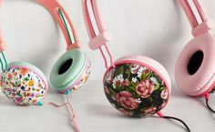 Check out these pretty floral mint & coral Headphones by Swoons and Tunes ★ Read more at www.preppywallpapers.com or follow us on Pinterest @prettywallpaper
