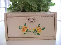 Why do I love vintage breadboxes so much?!?