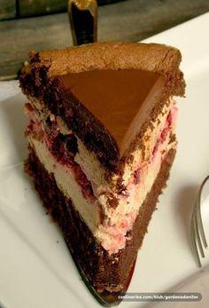 Karamel torta sa višnjama i čokoladom — Coolinarika Wine Recipes, Baking Recipes, Cookie Recipes, Dessert Recipes, Torte Recepti, Kolaci I Torte, Cake Slicer, Torte Cake, Cherry Recipes
