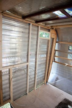 Vintage Camper Trailer Ideas For You. If you want your trailer to seem good you'll need to spray the paint on. Paint If you would like your trailer seem good you want to spray the paint on. Old Campers, Retro Campers, Camper Trailers, Vintage Campers, Vintage Airstream, Retro Trailers, Camper Hacks, Diy Camper, Homemade Camper