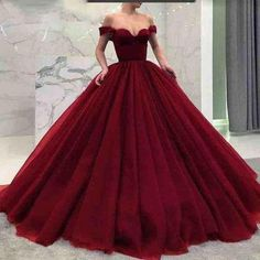 Red Ball Gowns, Ball Gowns Evening, Ball Gowns Prom, Ball Gown Dresses, Xv Dresses, Vintage Ball Gowns, Elegant Ball Gowns, Fancy Gowns, 1950s Dresses
