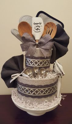 Kitchen towel cake, bridal shower centerpiece gift, grey & silver, happily ever … – Cute and Trend Towel Models Bridal Shower Gifts For Bride, Bridal Shower Rustic, Bridal Gifts, Kitchen Towel Cakes, Kitchen Towels, Wedding Towel Cakes, Baby Shower Gift Basket, Bridal Shower Baskets, Bridal Shower Centerpieces