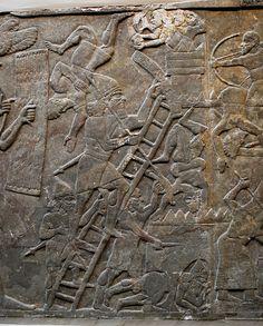 Guerreiros assírios sitiando uma cidade