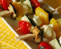 Mini brochettes de légumes marinés