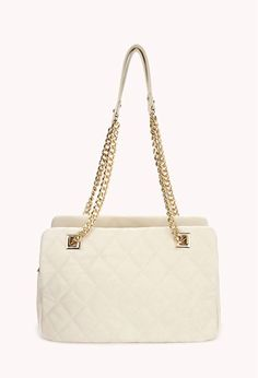 cute little white purse. perfect in it's simple way.