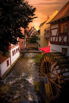 Ulm is a city in the federal German state of Baden-Württemberg, situated on the River Danube. Ulm Germany, Bavaria Germany, City Architecture, Historical Architecture, What A Wonderful World, Beautiful World, Germany Photography, Next Holiday, Travel And Leisure