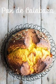 Pan de Calabaza Gluten Free Desserts, No Bake Desserts, Pan Relleno, Pan Dulce, Pan Bread, Bread Board, Bread Recipes, Food And Drink, Healthy Recipes