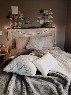 Exceptional Bedroom Decor are offered on our internet site. Check it out and you wont be sorry you did. Cute Bedroom Ideas, Room Ideas Bedroom, Home Decor Bedroom, Bed Room, Bedroom Designs, Bedroom Inspiration, Kids Bedroom, Girl Bedrooms, Bedroom Inspo