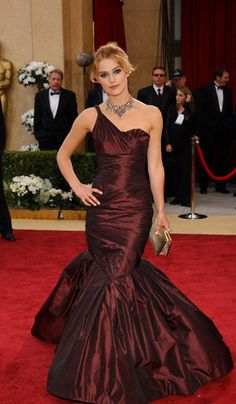 Keira Knightley in Vera Wang - 2006, oscars, The Best Oscar Dresses Ever, red carpet,