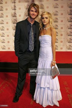 Actors Chris Hemsworth and Isabel Lucas arrive at the Annual TV Week Logie Awards at the Crown Entertainment Complex May 2006 in Melbourne, Australia. Chris Hemsworth Muscles, Chris Hemsworth Shirtless, Snowwhite And The Huntsman, Isabel Lucas, Hemsworth Brothers, The Mighty Thor, Boy Character, People Magazine, Kate Winslet