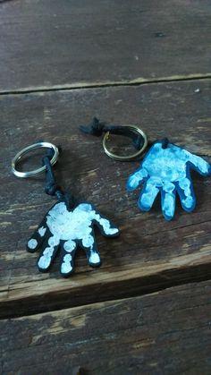 Kutistemuovista isänpäivä avaimenperä. Belly Button Rings, Gifts, Jewelry, Presents, Jewlery, Jewerly, Schmuck, Jewels, Belly Rings