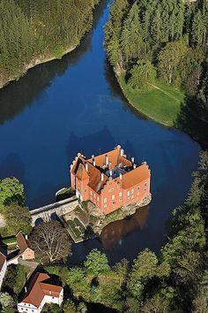 Talk about privacy.. .. ... FUCK YEAH!!!!!!! Červená Lhota castle, Czech Republic