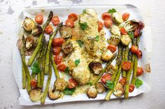 One Pan Honey-Mustard Chicken w/Asparagus & Cherry Tomatoes - JSHealth Healthy Dinner Recipes, Whole Food Recipes, Vegetarian Recipes, Lunch Recipes, Whole30 Recipes, Healthy Dinners, Quick Meals, Chicken Asparagus, Chicken And Vegetables