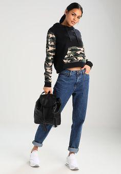 32cac8116252f ¡Consigue este tipo de jersey con capucha de Twintip ahora! Haz clic para  ver