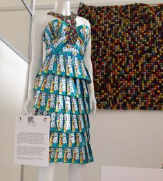 another skittles dress. i love the colors of this Unique Fashion, Fashion Art, Fashion Show, Geek Fashion, Fashion Design, Recycled Dress, Recycled Clothing, Trash To Couture, Recycled Fashion