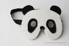 panda mask (almost without sewing)- alter for fox mask Panda Costumes, Diy Costumes, Panda Bear Crafts, Recycling For Kids, Party Co, Felt Mask, Homemade Christmas Gifts, Toy Craft, Halloween Crafts
