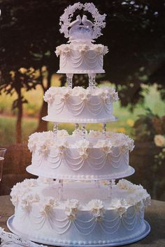 2019 Most Popular Wedding Cakes You Will Love to Incorporate Into Your Big Day---Luxury white wedding cake, spring outdoor country wedding ideas, elegant weddings Best Picture For