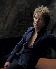 [Jon Bon Jovi]  ...  O  M  G  ... Nice photo!