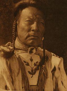 """Niukskai-Stamik - """"Three Bulls"""" - Blood (Blackfoot) - 1926"""