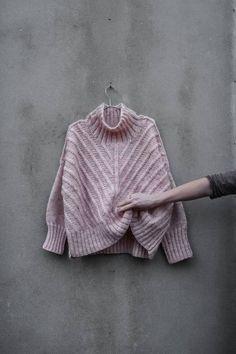 Ravelry: Fishbone chunky sweater pattern by Neringa Ruke Hand Knitted Sweaters, Sweater Knitting Patterns, Knit Patterns, Hand Knitting, Sewing Patterns, Knitting Sweaters, Knitting Needles, Lana, Knit Crochet