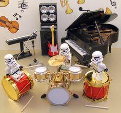 LEGO stormtrooper drummers