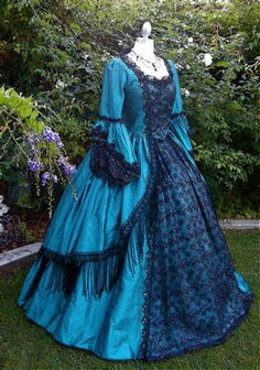 Renaissance Dresses, Vintage Fashion, Vintage Style, Historical Clothing, Peacock, Vintage Dresses, Dress Outfits, Dressing, Victorian