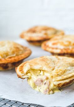 Irresistible pies topped with golden puff pastry, filled with tender chicken, bacon & mustard.This creamy chicken pie with puff pastry is pure comfort food! Mini Pie Recipes, Oven Recipes, Pastry Recipes, Cooking Recipes, Chicken Recipes, Recipies, Recipe For Puff Pastry, Chicken Pie Recipe Easy, Cooking Ideas