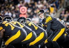 Big Ben is in charge. Super Bowl Xl, Ben Roethlisberger, John Elway, Nfl History, Steeler Nation, University Of Miami, Arizona Cardinals, National Football League, Pittsburgh Steelers