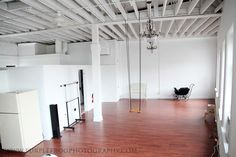 Studio Envy: Purple Frog Photography's studio/ In case I win the lottery and open a studio instead of teaching ungrateful teenagers ;)