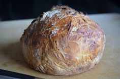 """All day bread….ein irres """"Ratzfatzbrot"""" UND der Teig kann bis zu 1 Woche im K… All day bread …. a crazy """"Ratzfatzbrot"""" AND the dough can be stored in the refrigerator for up to 1 week and always baked fresh! Easy Bread Recipes, Quick Bread, Cooking Recipes, Vegan Bread, Bread Bun, Artisan Bread, Bread Baking, I Love Food, Food Inspiration"""