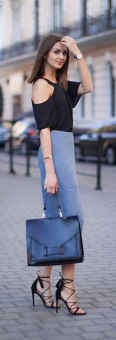 The Minimal classic outfit fashion board for young professional women females woman girls 20s 30s 40s appropriate work wear office attire outfits professional corporate suit dos and donts crimes top ten day to night transition interview preppy office style dress for success step up lean in suit up work wear street style fashion trends 2016 new york city nyc Women Suit // Business Suit For Queen Boss ;)