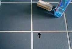 Fliesenfugen einfach und schnell mit Geschirrmaschinen-Klarspüler reinigen !
