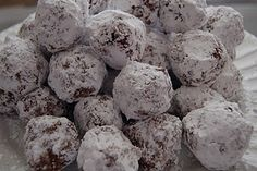 Eskimo cookies....a blast from my past!  My mom used to make these for my sisters and me.  I did a demonstration of them in 4th grade at school and in our 4-H club.  An easy kid friendly recipe.