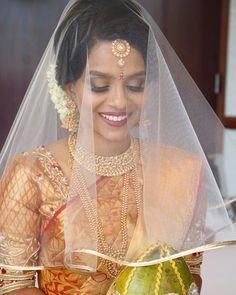 "Shobana (@amplifiedsoul) on Instagram: ""Praneeta's ceremony look was complete with a beautiful veil from @veilyoumarryme ❤️ . Jewelry…"" Tamil Wedding, Saree Wedding, Girl Face, Veil, Wedding Ideas, Weddings, Bridal, Beautiful, Instagram"