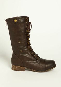 LACED UP BOOTS - America!