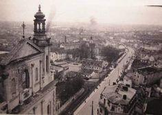 Widok z Wieży Trynitarskiej. Widok na ul. Wyszyńskiego 1939-41 r. My Kind Of Town, Old Pictures, Poland, Paris Skyline, Travel, Historia, Fotografia, Antique Photos, Viajes