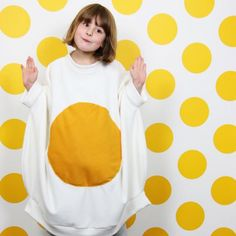 Make this egg-cellent egg costume for Halloween this year. Very simple to sew and so fun to wear. Perfect for a little  foodie.
