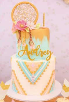 Boho Themed Twin Birthday Party styled by Design Avenue 13 Birthday Cake, Twin Birthday Parties, Birthday Ideas, 13th Birthday Cake For Girls, 10th Birthday, Dream Catcher Cake, Decors Pate A Sucre, Boho Cake, Girl Cakes