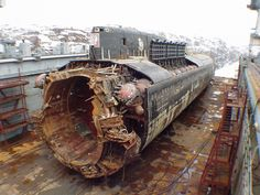 Post with 0 votes and 69419 views. [Warship] Russian submarine Kursk after being raised Russian Nuclear Submarine, Thomas Vinterberg, American Aircraft Carriers, World Industries, Soviet Navy, Bottom Of The Ocean, Armada, Navy Ships, Military Equipment