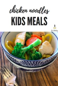 hokkien noodles w chicken + broccoli + carrots Healthy Dinners For Kids, Healthy Kids, Kids Meals, Chicken Noodle Recipes, Chicken Broccoli, Carrots Healthy, Family Meals, Noodles, Larger