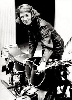 Anke-Eve Goldmann and her BMW R69 with aftermarket Heinrich tank