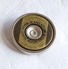 Botones Inyectados diseñados y fabricados por Apholos. // Die Casting Buttons designed and crafted by Apholos www.apholos.com