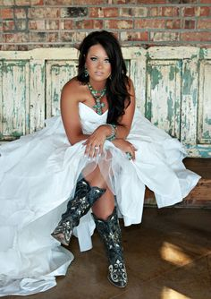 I want to wear turquoise with my wedding dress someday.. Maybe not as yee haw as this.. But along these lines..