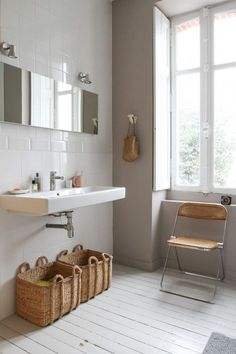 Badezimmer Inspiration 6 ideas to make the most of a small bathroom! Bathroom Interior, Home Interior, Interior Decorating, Interior Design, Gray Interior, Decorating Ideas, Bad Inspiration, Bathroom Inspiration, Painting Inspiration