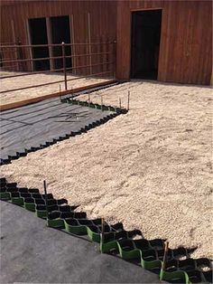 Lighthoof panels should be filled with any fine crushed mix with angular edges, never pea gravel.