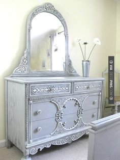 Nice! - Annie Sloan dresser and mirror. | CHECK OUT MORE DRESSER IDEAS AT…
