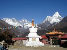 Bouddha stupa at Thyangbochhe
