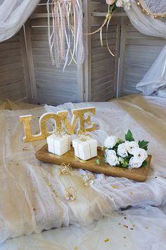 Πατήστε στην εικόνα και βρείτε ιδέες για #diy ρομαντικό γάμο σε λευκό και χρυσό, ιδέες για τη διακόσμηση, τις μπομπονιέρες και το τραπέζι των ευχών. #γαμος #διακοσμησηγαμου #γαμος2020 #wedding #weddingdecoration #diywedding #weddinginspiration #weddingideas #weddingdecorideas #fallwedding #autumnwedding #wedding2020 #mpomponieres #φθινοπωρινοςγαμος #barkasgr #barkas #afoibarka #μπαρκας #αφοιμπαρκα #imaginecreategr Wedding Favors, Table Decorations, Create, Home Decor, Wedding Keepsakes, Decoration Home, Room Decor, Favors, Home Interior Design
