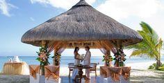 Casatorie pe malul marii in Mauritius. Plaje exotice, decor de poveste.